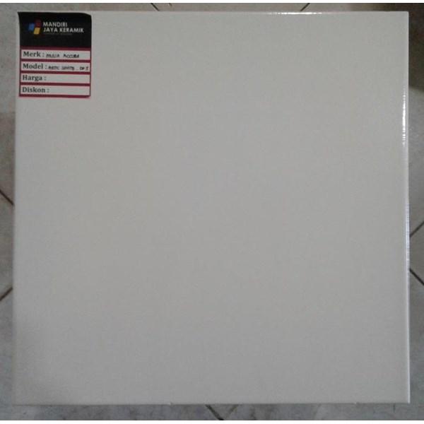 Lantai Keramik Mulia Accura Artic White 30x30