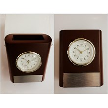 Souvenir - a pen table clock