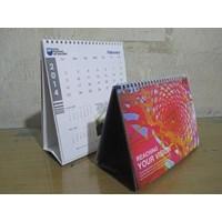 Kalendar meja bermotif