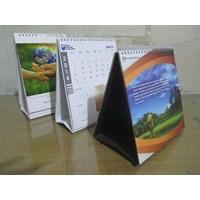 Kalender Meja Motif