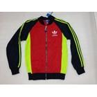 Jaket Olahraga Kombinasi Tiga Warna 1