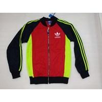 Jaket Olahraga Kombinasi Tiga Warna