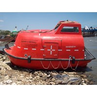 LIFEBOAT TOTALLY ENCLOSED CAP. 15 - 80 PERSON (Komplit)