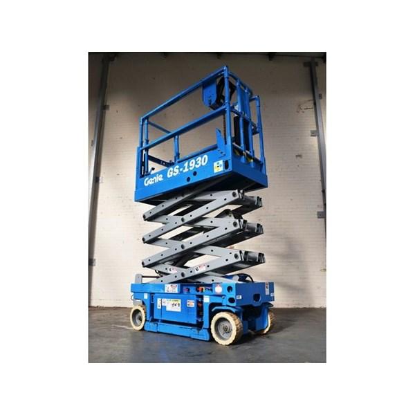 Sell Scissor Lift Rentals-Skylift-Electric Ladder In Jakarta