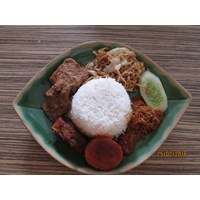 Jual Nasi Campur Surabaya
