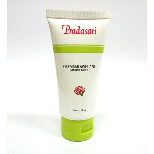 Moisturizing Durable Ayu Pradasari