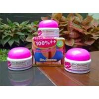 Jual Obat Krim Pembesar Payudara Permanen Cream Perawatan Tubuh Alami Pengencang Payudara Wanita Obat Cream Mengencangkan Payudara Cepat Cream Dr. Susan Asli