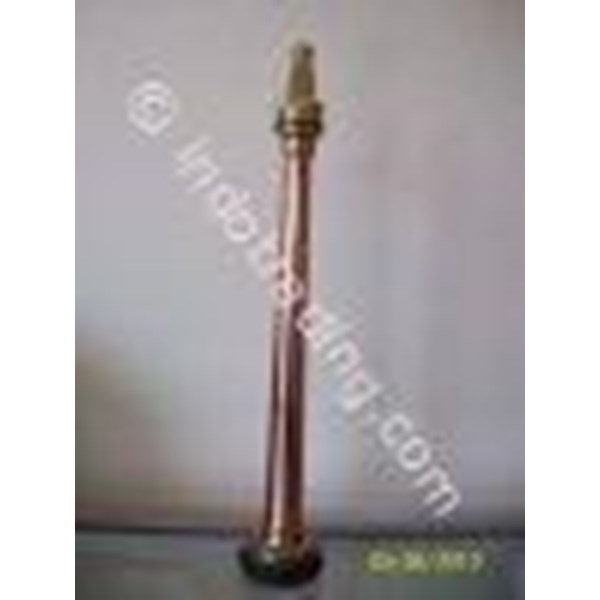 Brass Nozzle Transmitting Water