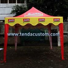 Folding tent 33