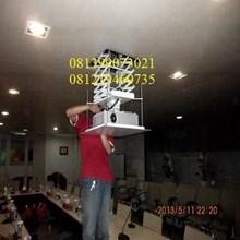 hanging lcd projector motorize