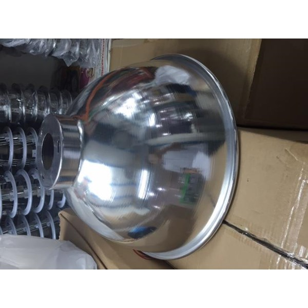 kap lampu industri