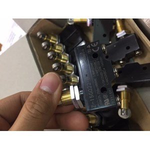 Microswitch Z-15GQ22-B OMRON