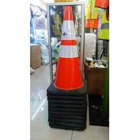 Traffic Cone Rubber 70Cm Base Hitam