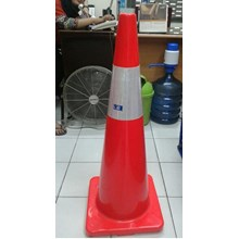 Traffic Cone Base Orange tinggi 90cm