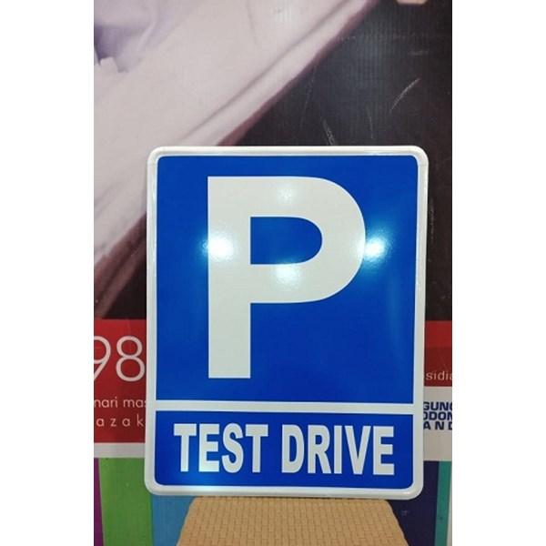Rambu Lalu Lintas Parkir Test Driver