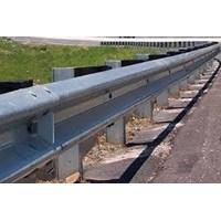Guardrail ( Pengaman Jalan )