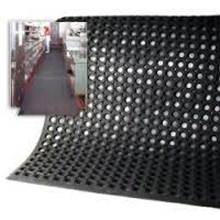 Anti-slip rubber or rubber matt