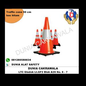 Dari Traffic cone Pvc kerucut jalan 90 cm base hitam murah berkualitas HUB atau WA 081280588834 0