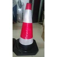 Traffic cone Rubber 70 cm hitam murah berkualitas HUB atau WA 081280588834