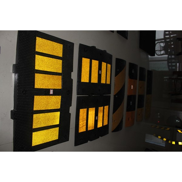 Body Speed Hump High quality murah berkualitas HUB atau WA 081280588834