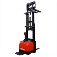 Stacker Full Narrow CDD16-950 1.6 Ton