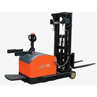 Stacker Reach 1.2-1.5Ton