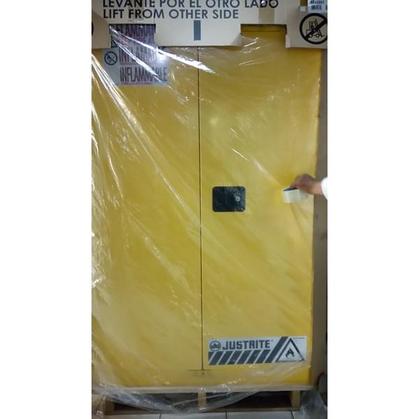 Alat Laboratorium Umum Lemari B3 Penyimpanan  Bahan Berbahaya Beracun  893000 894500 896000 8990001