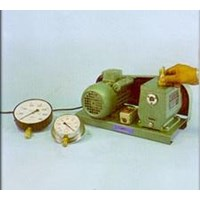 Manometer & Vacuum Pump 1