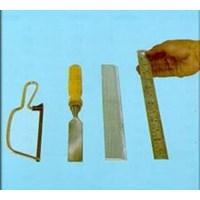 Wire Saw & Ge8805 Chissel & Straight Edge & Ruler & Gardener'S 1