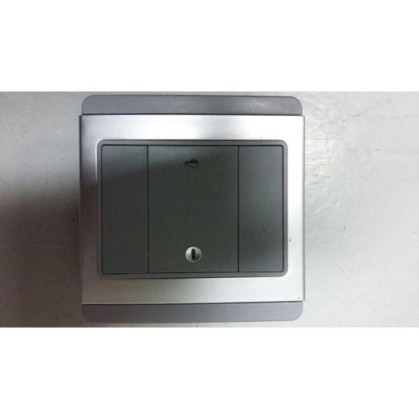 Saklar 1 Gang Dimmer Lampu Horisontal E3031HD Schneider