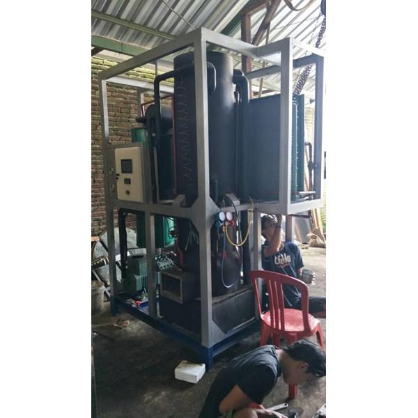 Mesin Es Kristal Tube MET 030 kapasitas  3 Ton / 24 Jam