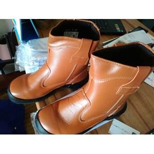 Jual Sepatu Safety King Harga Murah Kota Tangerang oleh PT. Wbanaran ... 6821b2be78
