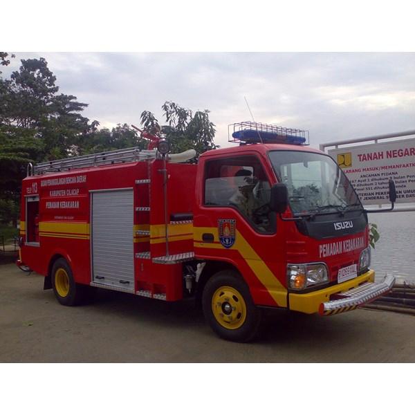 Truk Pemadam Kebakaran 01