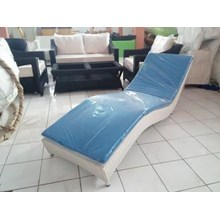 Kursi  Hotel SYNTHETIC RATTAN LOUNGER 1