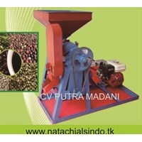 The Dried Coffee Plantations, Peeler Machine