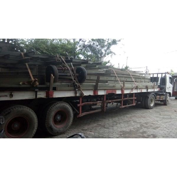 Sewa Trailer Flatbed 40 ft Surabaya
