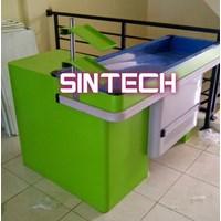 Meja kasir tipe alfa hijau