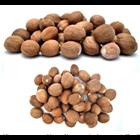 Nutmeg Whole 1