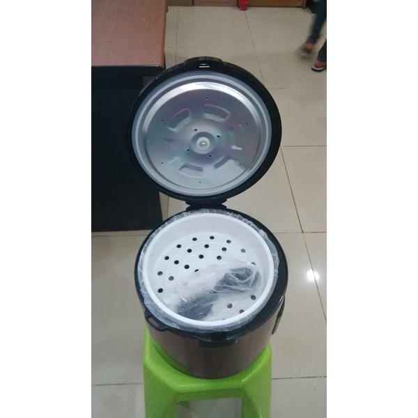 Penanak nasi peralatan makan lainnya