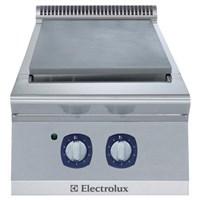Electrolux 700XP hob Cooking 1
