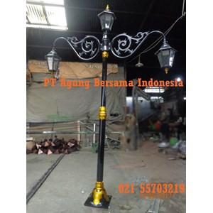 Lampu Jalan Tiang Antik Klasik