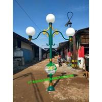 Tiang Lampu Taman DPR 3 Lampu