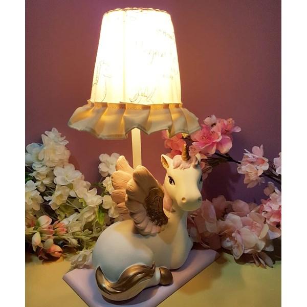 Souvenir Lampu Unicorn