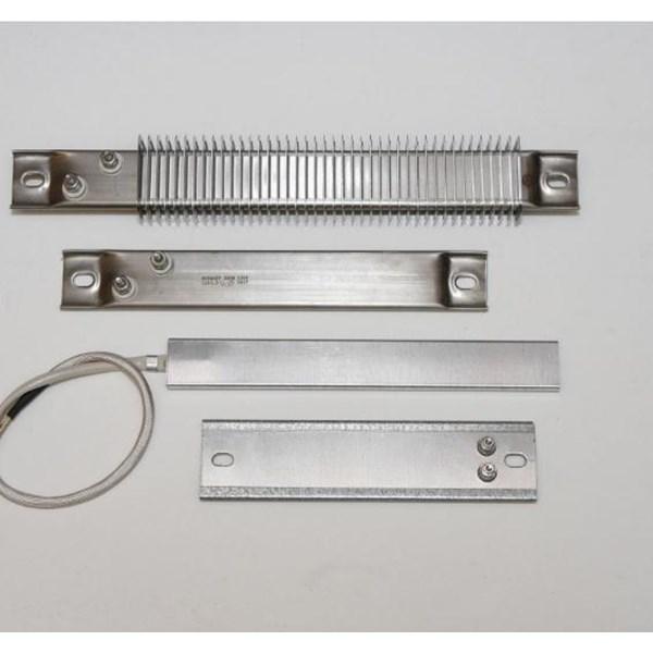 Heater strip element