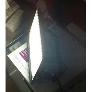 Lampu sorot LED / Flood Light Philips BVP161 -50W