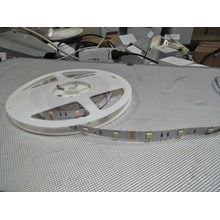 Lampu LED Strip 3528 - Cahaya Warm White
