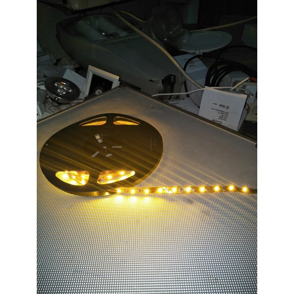 Lampu LED Strip 3528 - Cahaya Kuning
