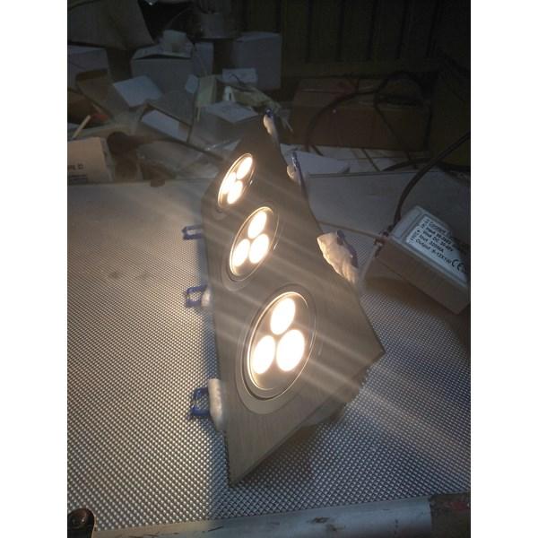 Lampu Downlight LED Spot adjustable -9W Cahaya Warm White