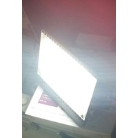 Lampu sorot LED Philips -100 Watt.