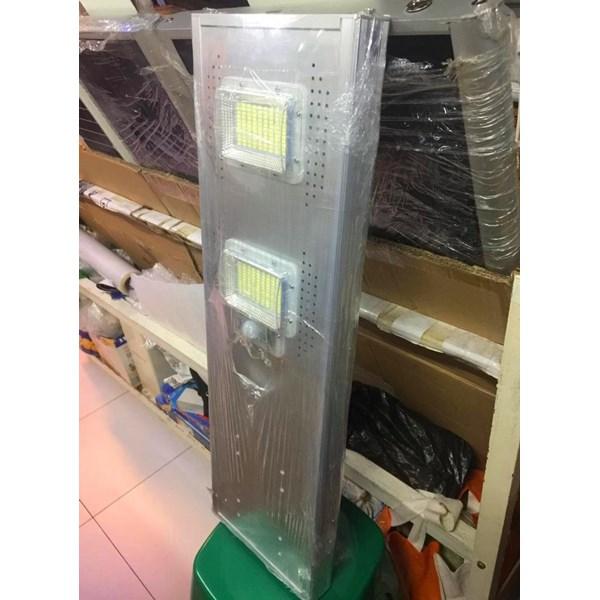Lampu  Jalan PJU LED MYTH All in One 40 W